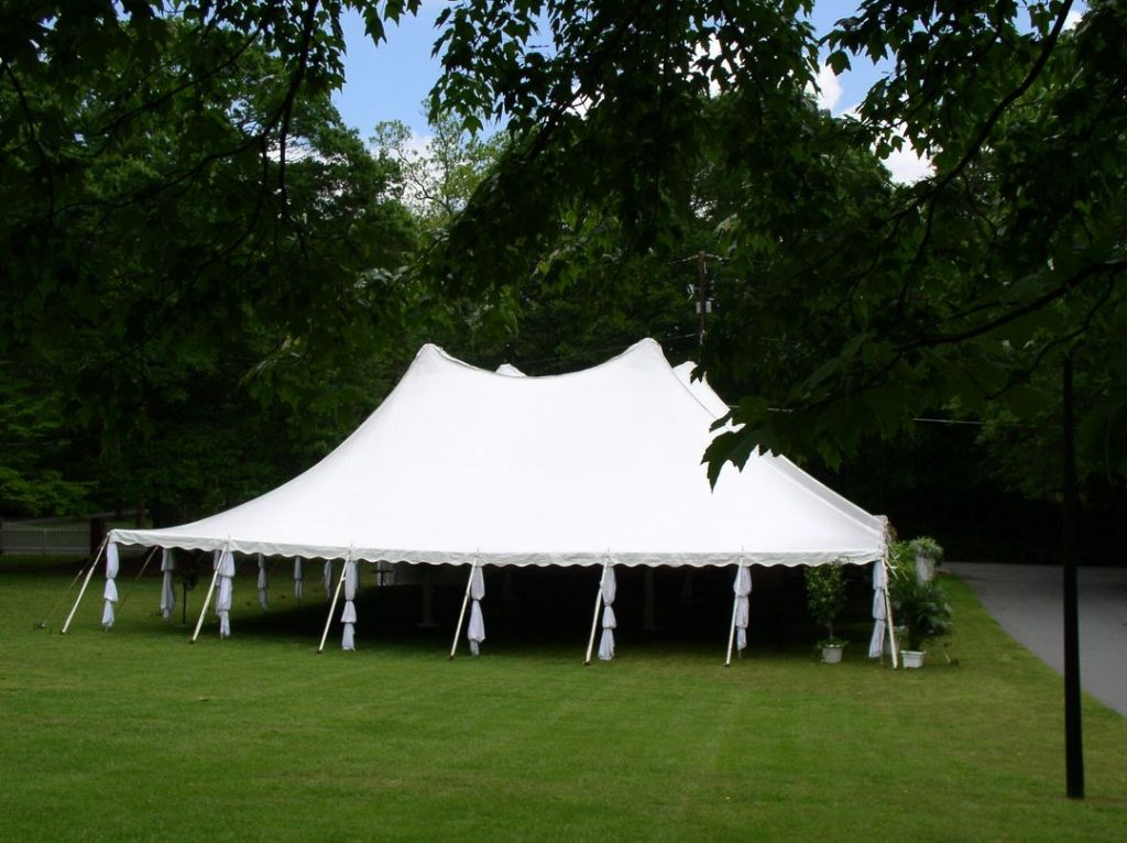 pole wedding tent